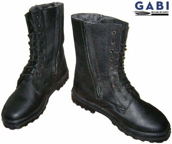 Giày da cổ cao phổ biến rộng rãi giữa thế kỷ 19.