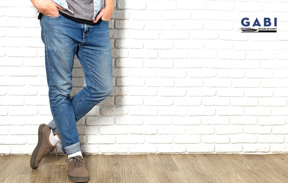 giày tây và quần jeans