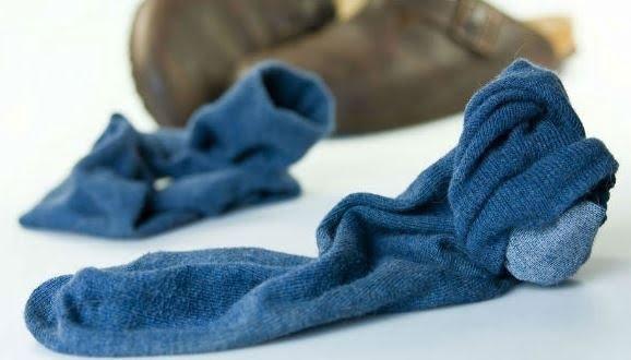Nếu tất vớ không được giặt giũ sạch sẽ cũng sẽ tạo điều kiện thuận lợi cho ký sinh và vi khuẩn phát triển