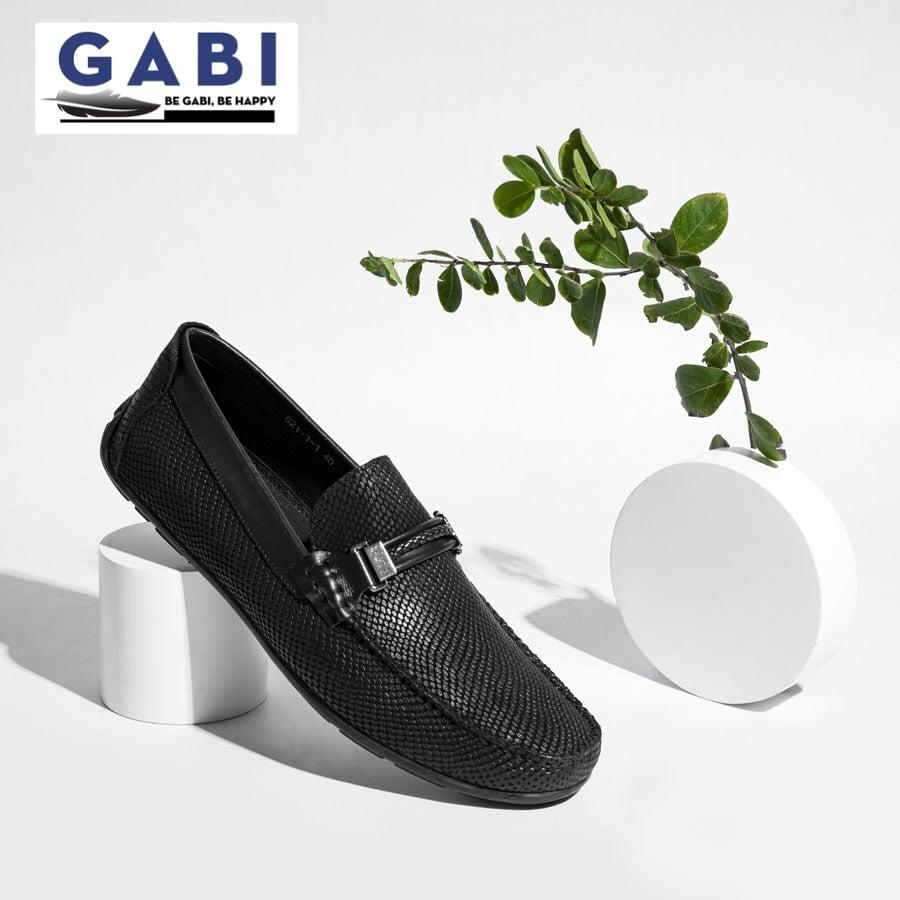 Đây là loại giày được ưa chuộng cao, bởi nó mang lại nét trẻ trung và cực kỳ năng động.