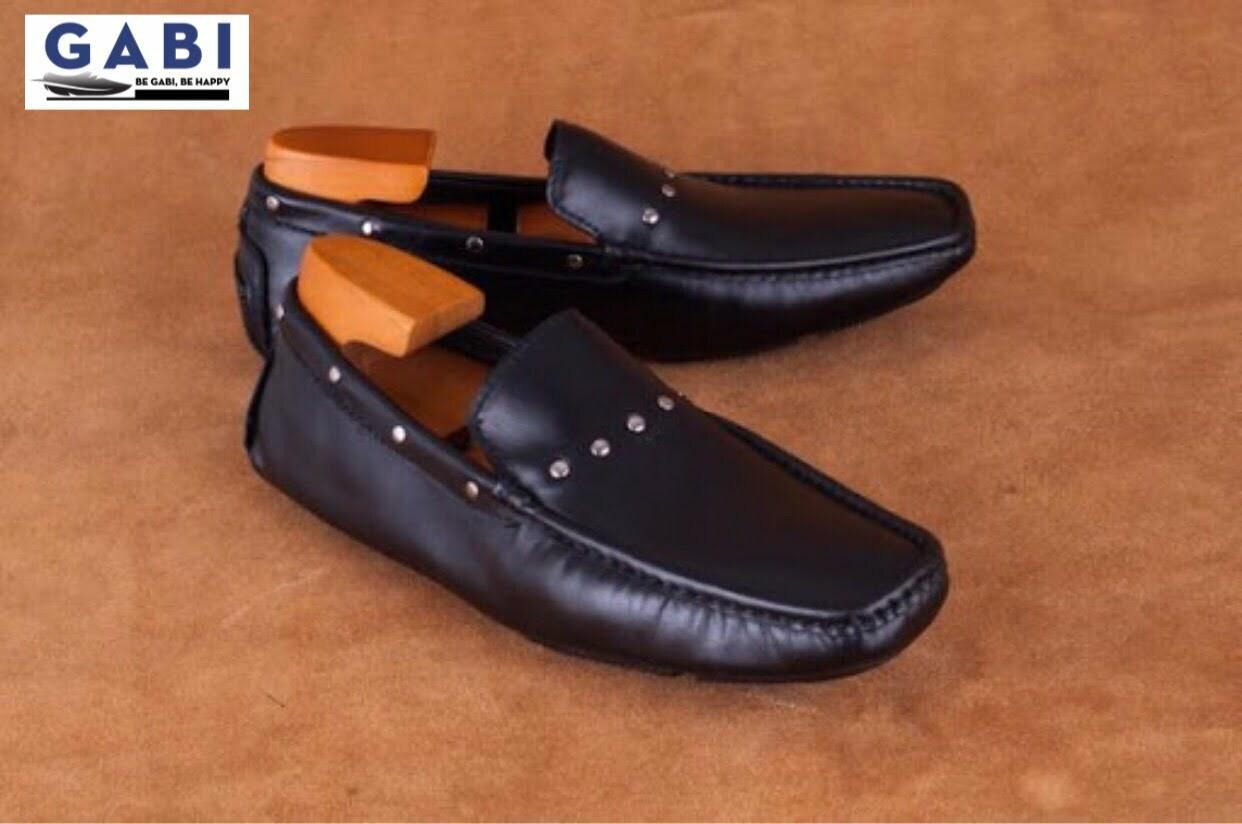 Những đôi giày tây mũi vuông luôn tạo được sự thoải mái cho người dùng
