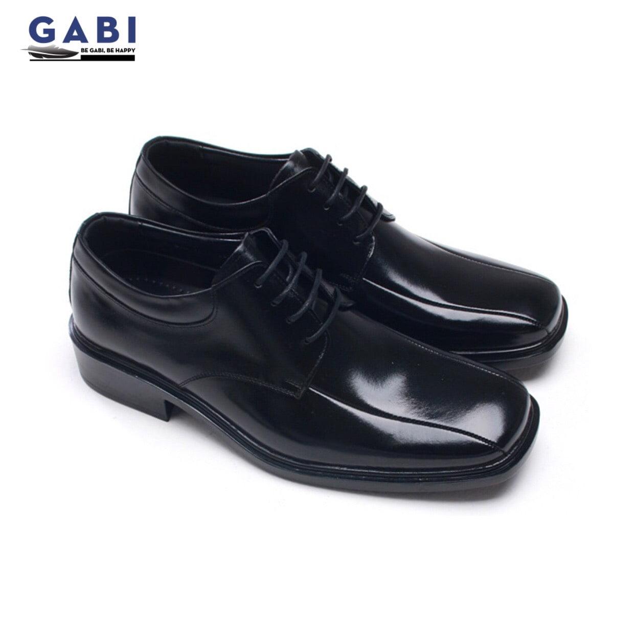 Sự thu hút của những đôi giày tây mũi vuông chính nằm ở phần mũi của chúng